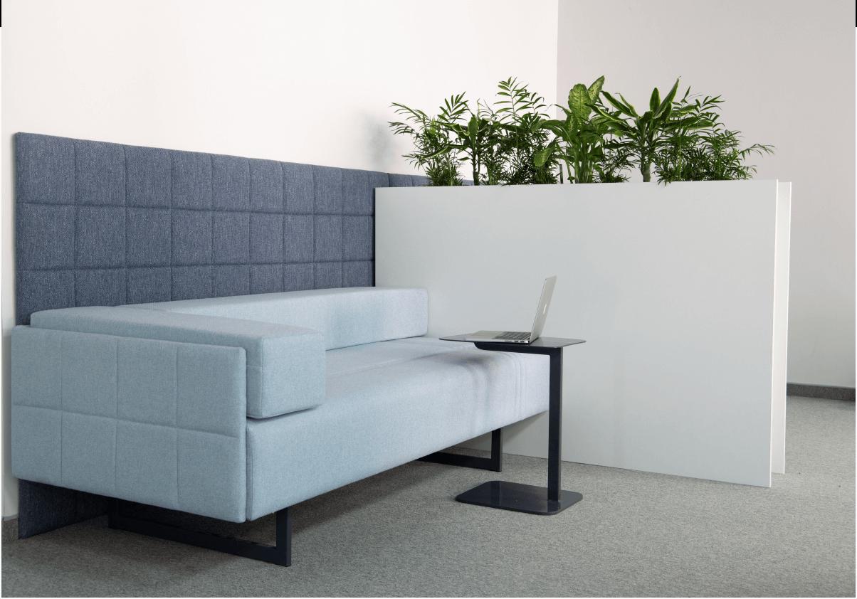 Embroker sofa